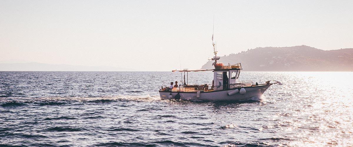 fischerboot - fang seines lebens - nick karvounis - unsplash