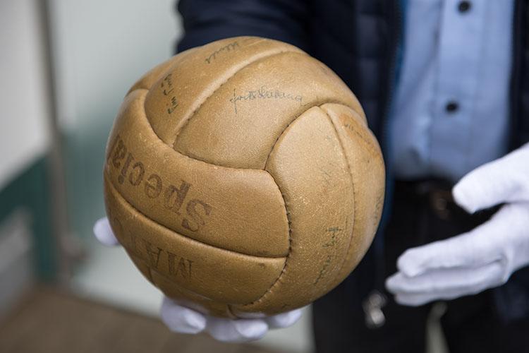 Fußball im Bankschließfach Wunder von Bern 1954 Finale - B